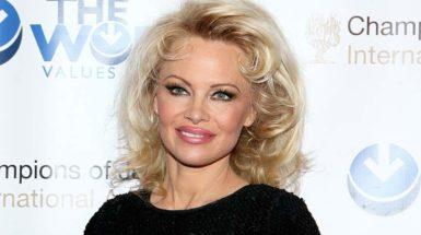 Pamela-Anderson-make-up-t